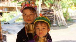 Femme et enfant Padaung